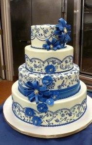 bolo-casamento-azul-e-branco